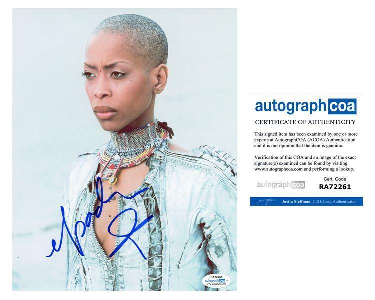 "Erykah Badu ""Baduizm"" AUTOGRAPH Signed 8x10 Photo B ACOA"