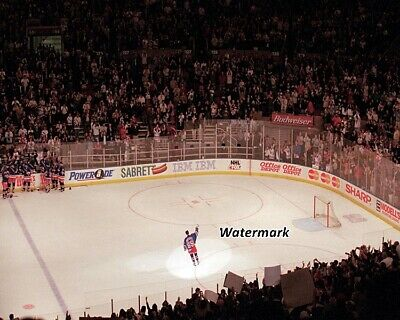 NHL 1999 Wayne Gretzky New York Rangers Final Farewell Game at MSG 8 X 10 Photo (New York Rangers Last Game)