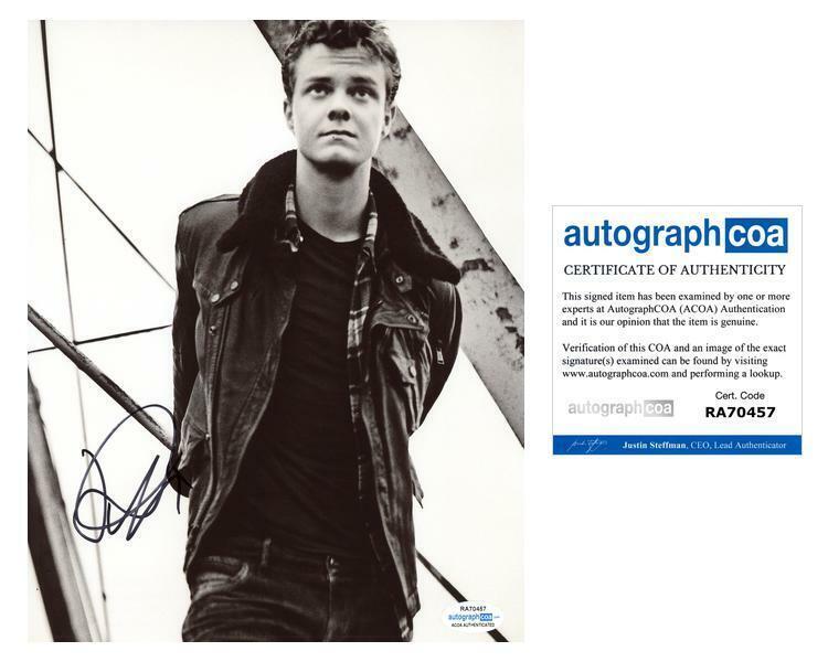 "Jack Quaid ""The Boys"" AUTOGRAPH Signed 8x10 Photo B ACOA"