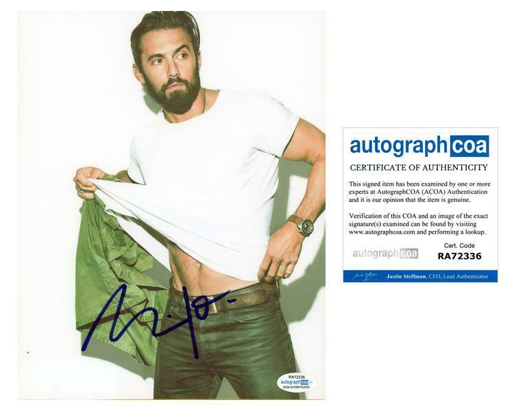 "Milo Ventimiglia ""This Is Us"" AUTOGRAPH Signed 8x10 Photo ACOA"
