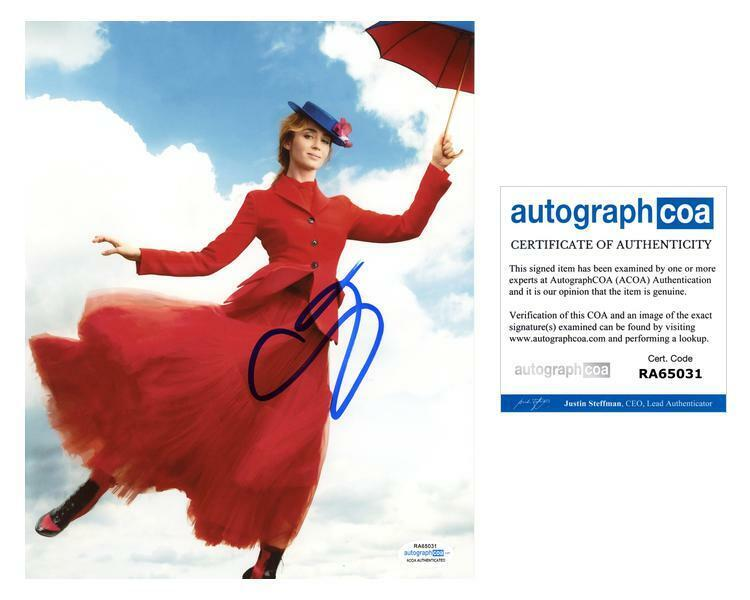 """Emily Blunt """"Mary Poppins Returns"""" AUTOGRAPH Signed 8x10 Photo D ACOA"""