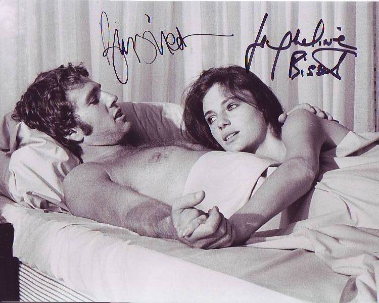 RYAN O'NEAL and JACQUELINE BISSET signed THE THIEF WHO CAME TO DINNER photo