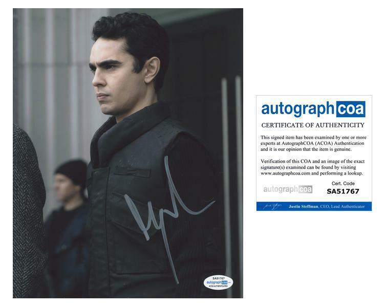 "Max Minghella ""The Handmaid's Tale"" AUTOGRAPH Signed 'Nick Blaine' 8x10 Photo"