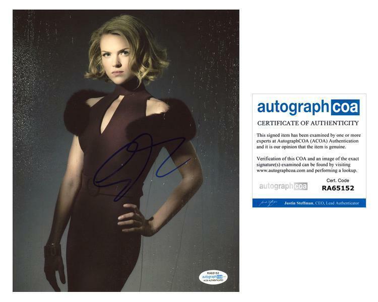 """Erin Richards """"Gotham"""" AUTOGRAPH Signed 8x10 Photo C ACOA"""