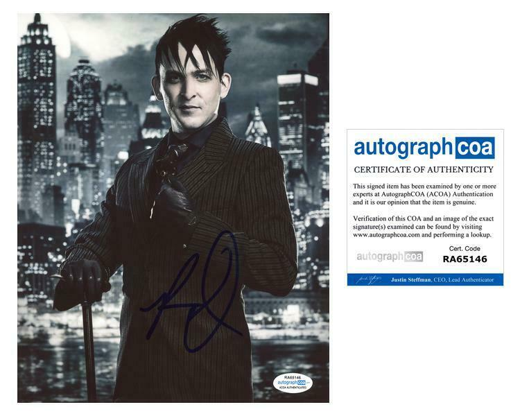 "Robin Taylor ""Gotham"" AUTOGRAPH Signed 8x10 Photo I ACOA"