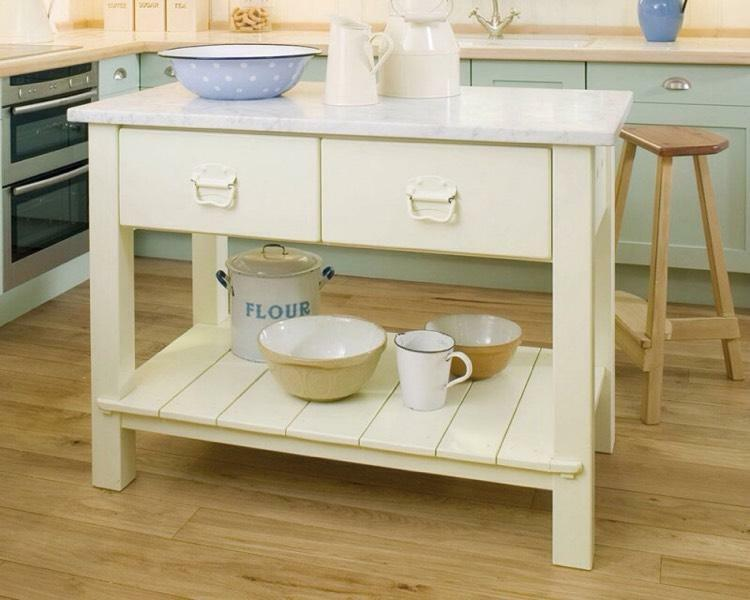 shaker table kitchen island drawers cream white corian worktop. Interior Design Ideas. Home Design Ideas