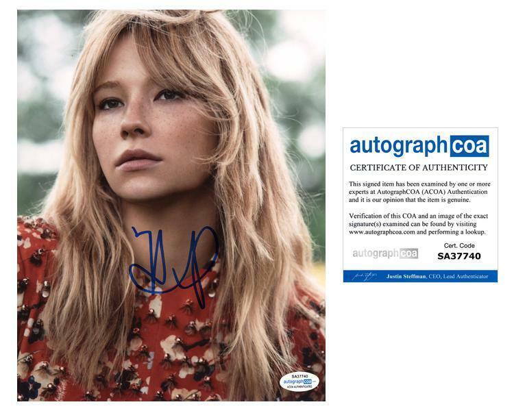 "Haley Bennett ""The Girl on the Train"" AUTOGRAPH Signed 8x10 Photo ACOA"