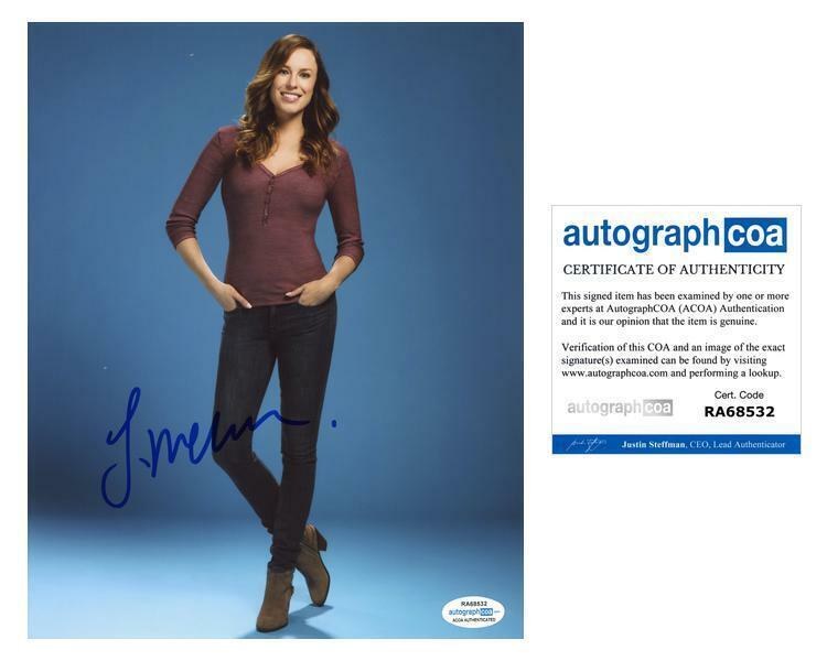 "Jessica McNamee ""Sirens"" AUTOGRAPH Signed 8x10 Photo ACOA"