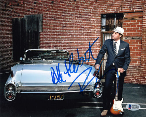 ROBERT CRAY SIGNED AUTOGRAPHED 8x10 PHOTO CELEBRATED BLUES GUITARIST BECKETT BAS
