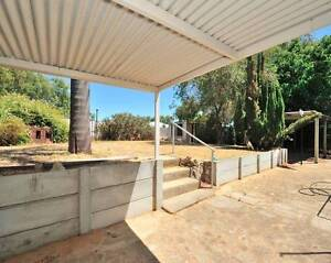Awesome large 3 bedroom 2 bathroom place in GREAT NEIGHBOURHOOD Parmelia Kwinana Area Preview