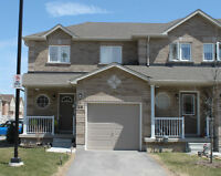 1 YEAR OLD END UNIT TOWNHOUSE IN SOUTH BARRIE