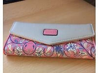 Lovely Pink and Beige Paisley Floral Purse / Wallet NEW