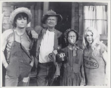 The Beverly Hillbillies TV series 8x10 cast photo Buddy Ebsen /& family by house
