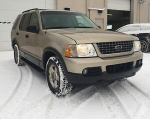 2003 Ford Explorer XLT/6 months warranty included.