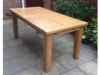 Oak Extending Dining Table, Excellent !