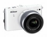 BRAND NEW - Nikon 1 J3 (silver) + 11-27mm lens