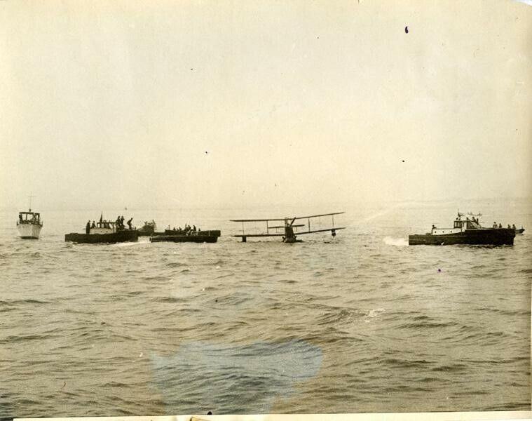 Charles Lindbergh Amphibian Plane landing New York Original 1927 Press Photo
