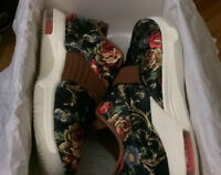 Nike - KD 7 FLORAL - SIZE 11us - DS -  NEGO! (retail 300) !!!