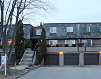 SUPERBE MAISON DE VILLE/BEAUTIFUL TOWNHOUSE IN BEACONSFIELD!