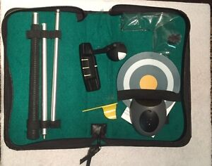 Travel putting set comes with carrying case
