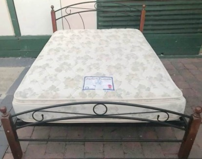 Excellent queen bed metal frame+double sided Pillow Top mattress
