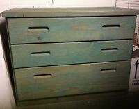 SOLID WOOD DRESSER - SHARP COLOUR