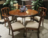 Immaculate! 9-Pc BARONET Cherry Dining Set (Chairs+Leaves+Table)