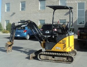 2011 John Deere 17D  Mini Excavator, 700 hours only