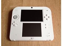 Nintendo 2DS with 13 games box & carry case