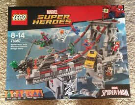Lego Superheroes Spiderman Bridge Battle New