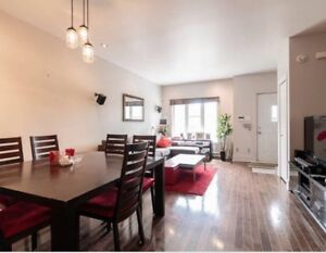 4 1/2 condo Old Montreal/ Old Port w/ garage - Avail Aug 15!