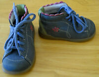 Chaussures fille Baby Chou Gr 3½ D (5$)