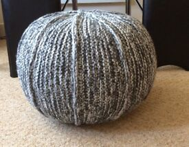 HAND KNITTED / HOME MADE POUFFE