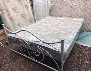 Good condition metal frame queen bed for sale. Delivery to u Kingsbury Darebin Area Preview