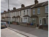 Dss Welcome !!- One studio Flat Available To Let in London Road, Grays, RM20 4AD!!!!