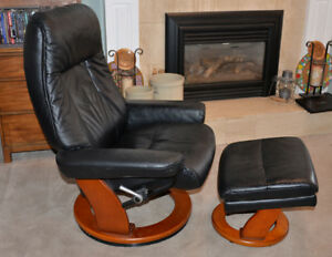 2 Leather Lounge Swivel Recliner with 2 Storage Ottoman