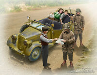 Plastic model kit Scale 1/35 Hitching a ride 1945