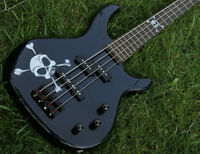 Basse Fender Squier  Skull and Crossbones
