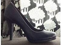 Ladies navy high heels - size 3