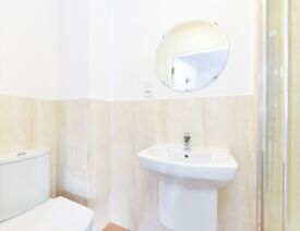 STUDENT ROOM TO RENT IN LEICESTER. STUDIO WITH PRIVATE ROOM, PRIVATE BATHROOM AND SHARED KITCHEN