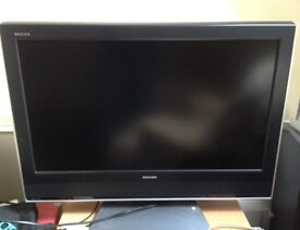 "Toshiba 32"" HD ready LCD TV perfect for ps4/xbox"