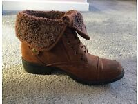 Ladies Rocket Dog Boots Size 5