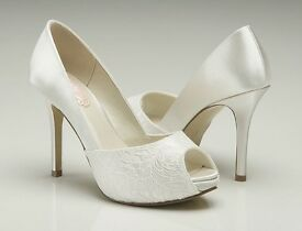 Pink Paradox size 4 wedding shoes! Dyeable satin