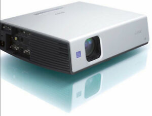 Sony 3000 Lumens 3 LCD Projector. Only 70 Hours.