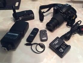 Nikon d5000 with 55-200mm Nikon lens plus accessories mint setup