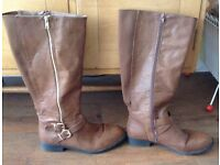 NEW LOOK BROWN BOOTS