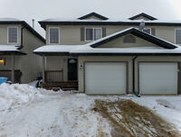 Great Price! Fully developed Timberlea duplex w/attached garage!