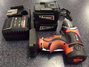 SP TOOLS IMPACT WRENCH WITH BATTERIES AND CHARGER Lawnton Pine Rivers Area Preview