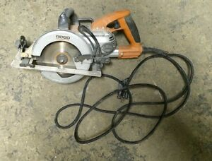 RIDGID R32102 7 and  1/4 circular saw/scie circulaire