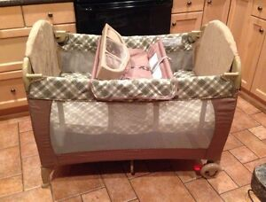 Safety First playpen, bassinet & change table